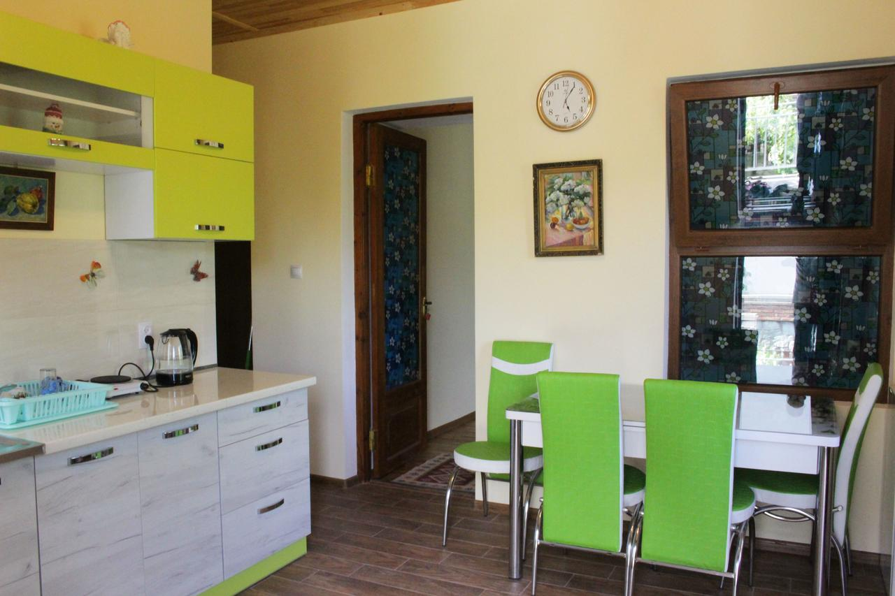 Отели Мцхеты Old house apartment with Garden area